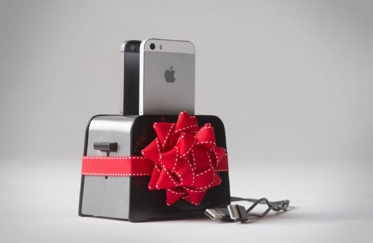 Toaster phone charger