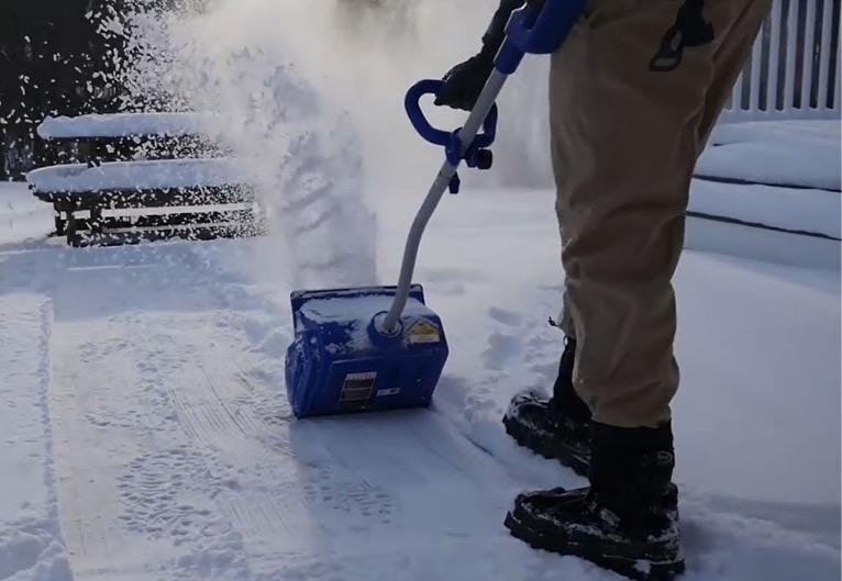 Unique winter gadget Cordless Brushless Snow Shovel Kit