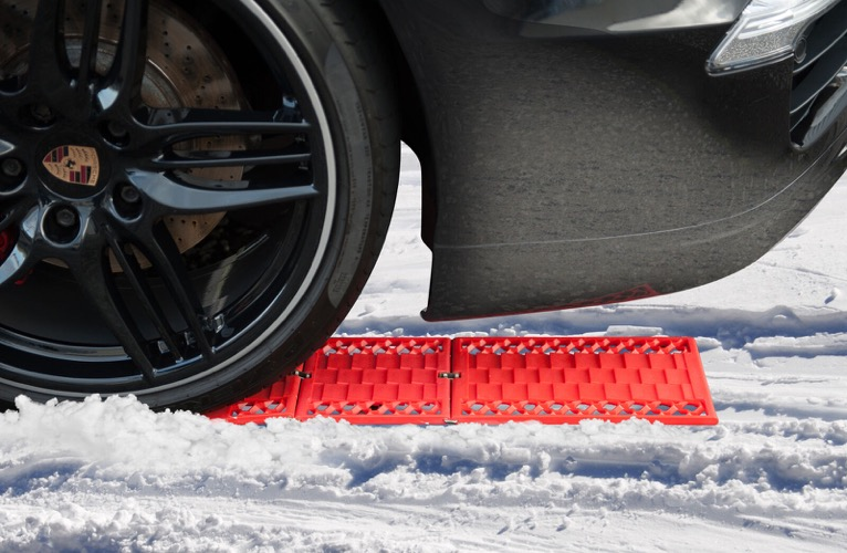 WawaAuto All-Weather Foldable Auto Traction Mat Tire Grip Aid