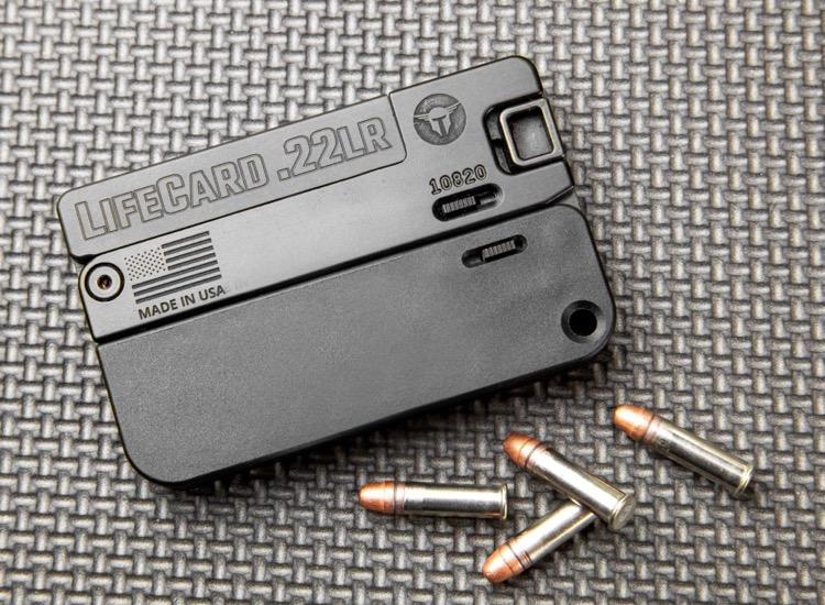 Foldable gun lifecard